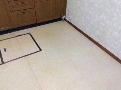 キッチンの床クリーニング