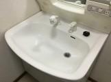 「洗面台の黒ズミ、茶バミですが、自分で落とせなくなってしまいました」とお困りのご依頼を受け、 早速対応させて頂きました!