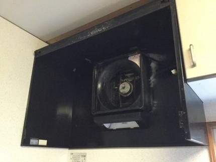 古いレンジフード換気扇の分解洗浄